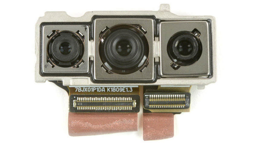 Triple-camera-iPhone-with-record-5x-zoom
