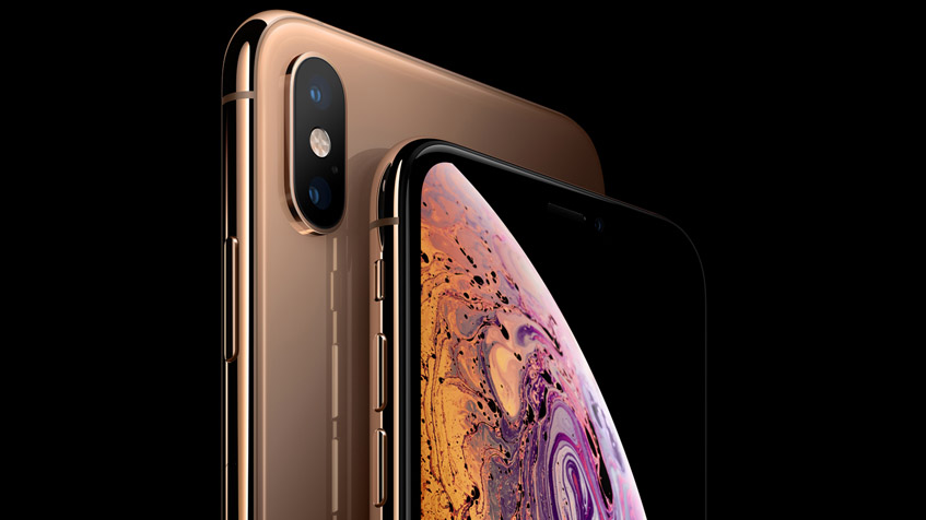 Apple-gets-sued-by-a-customer-over-the-notch