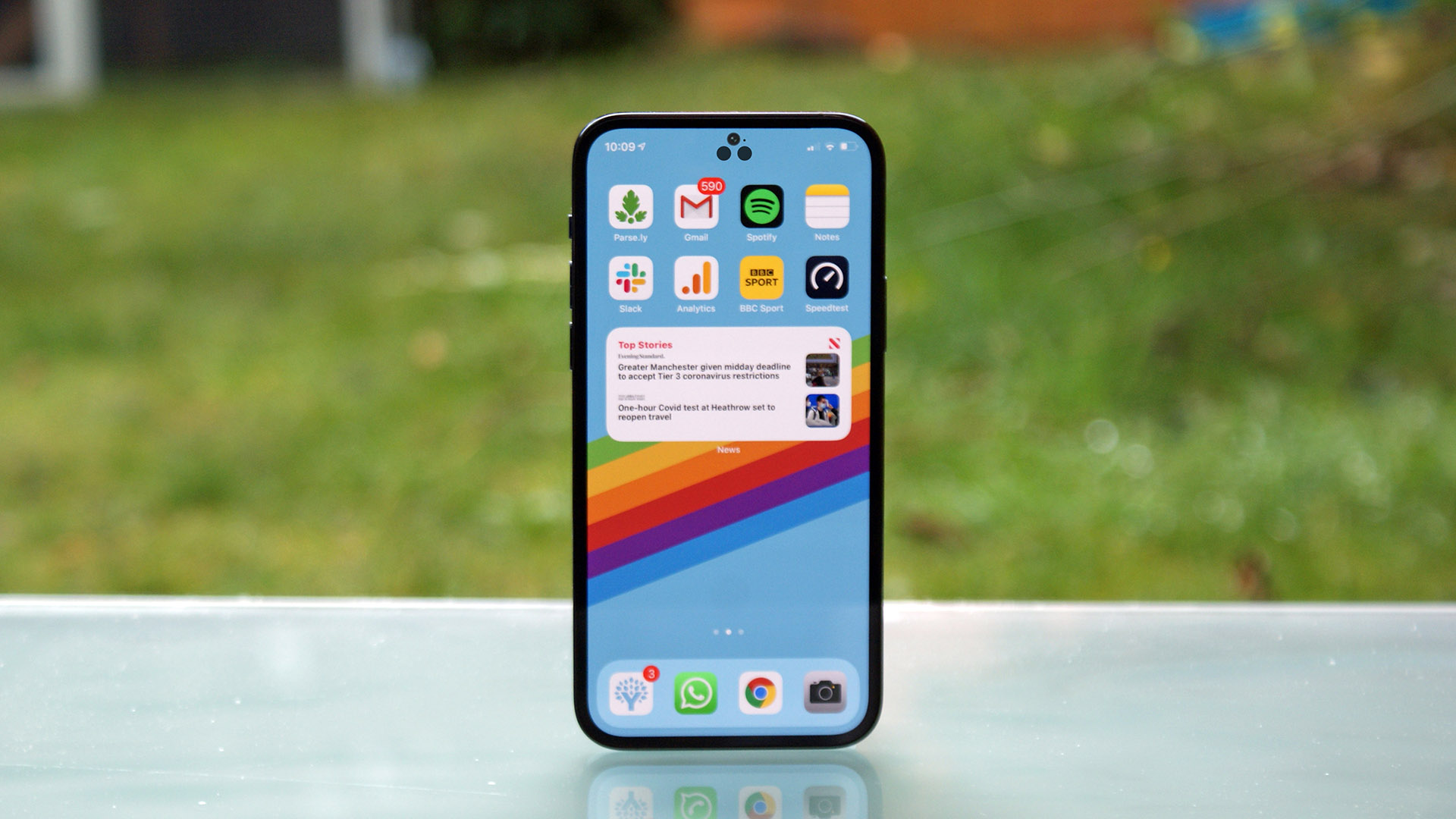 notch-less-iPhone-concept-2